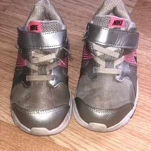 Nike Toddler Shoes Size 9